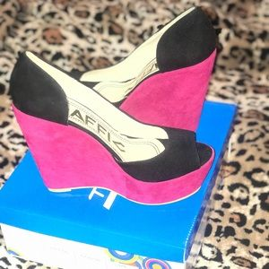 Traffic/Pink and Black Wedge Heels!